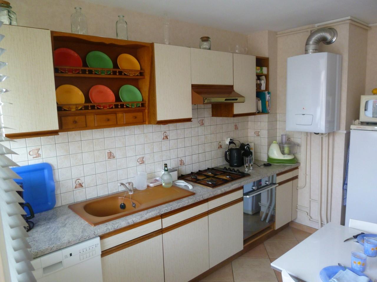 cuisine avant chaudière visible