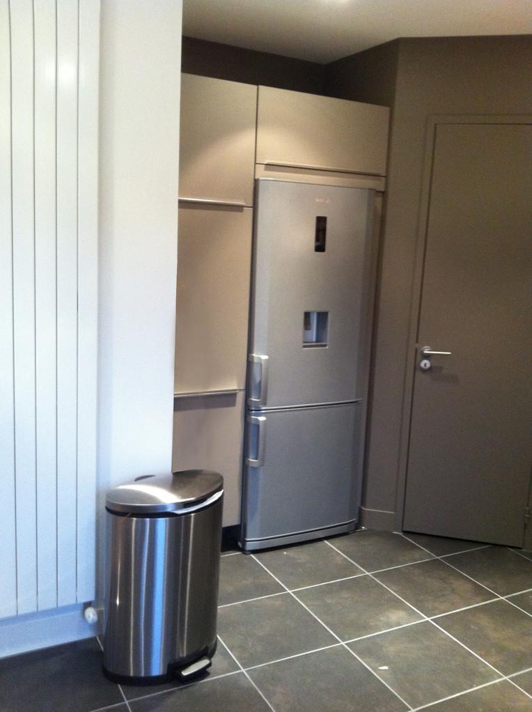 espace utilisé pour le frigo et le rangement