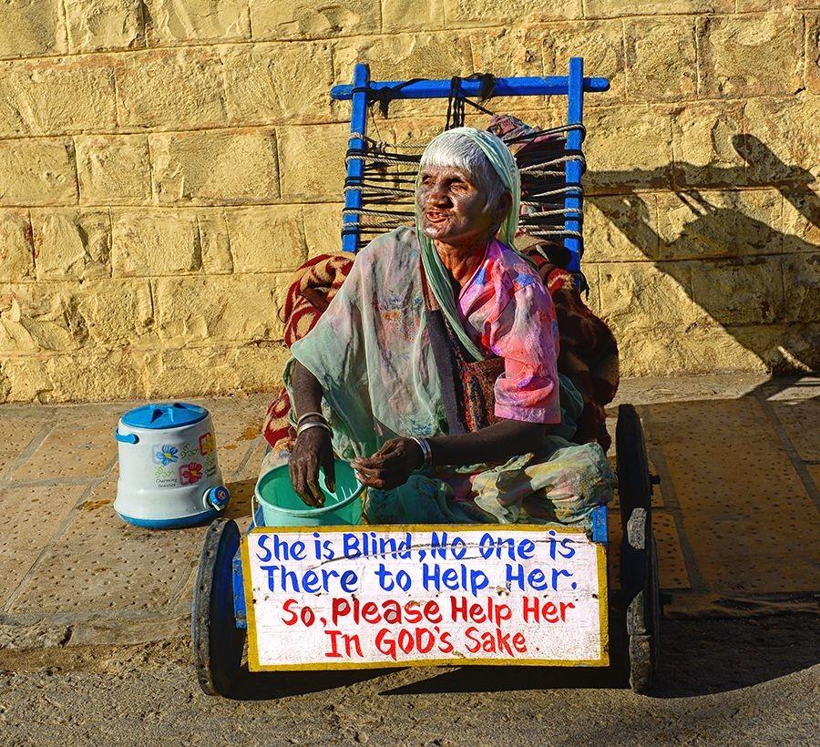 hier habe lange überlegt ob ich es hochlade aber auch solche Bilder gehören zu Indien !!!