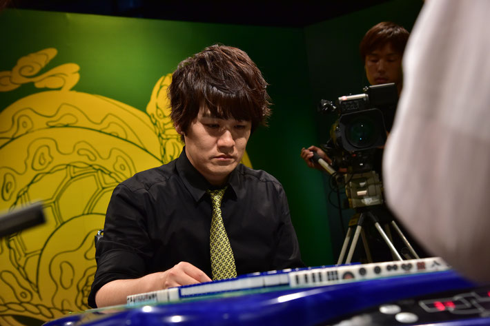またも決勝で瀬戸熊に敗れた多井隆晴。