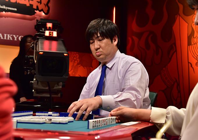 将棋のプロが最強位に王手!鈴木大介優勝