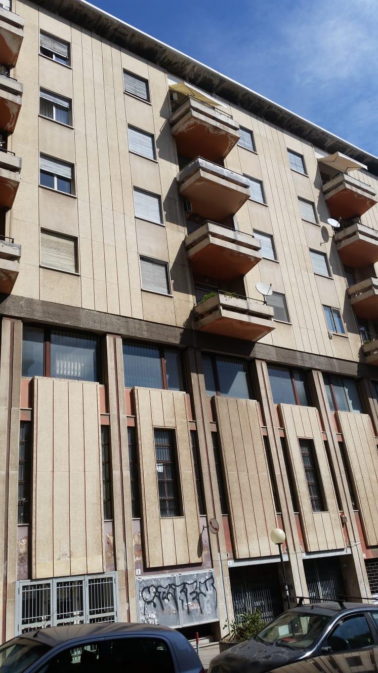 Immobili commerciali case casali agenzia immobiliare for Immobili commerciali affitto roma