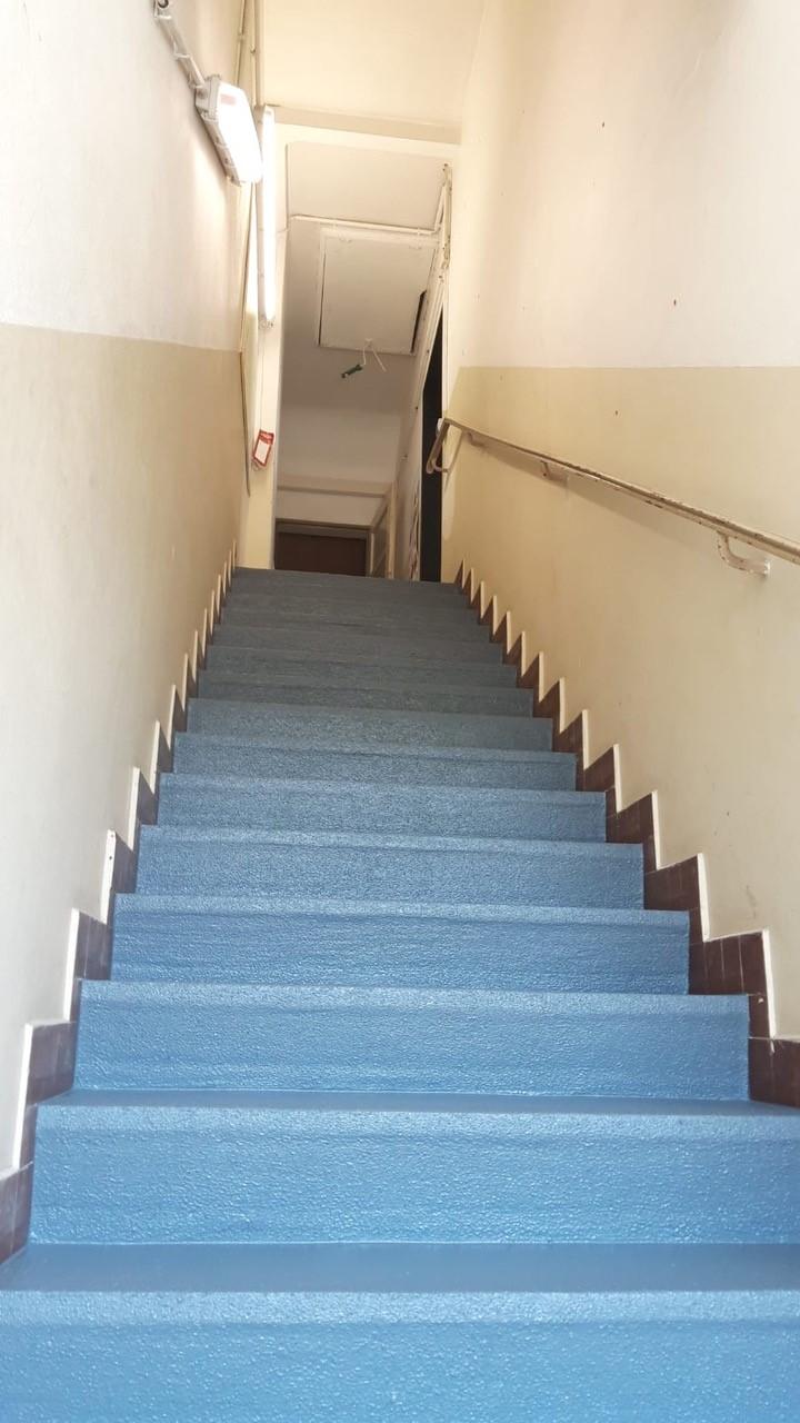 Antirutschfarbe Treppe Protectakote Basaltgrau - © Flachsbarth GmbH