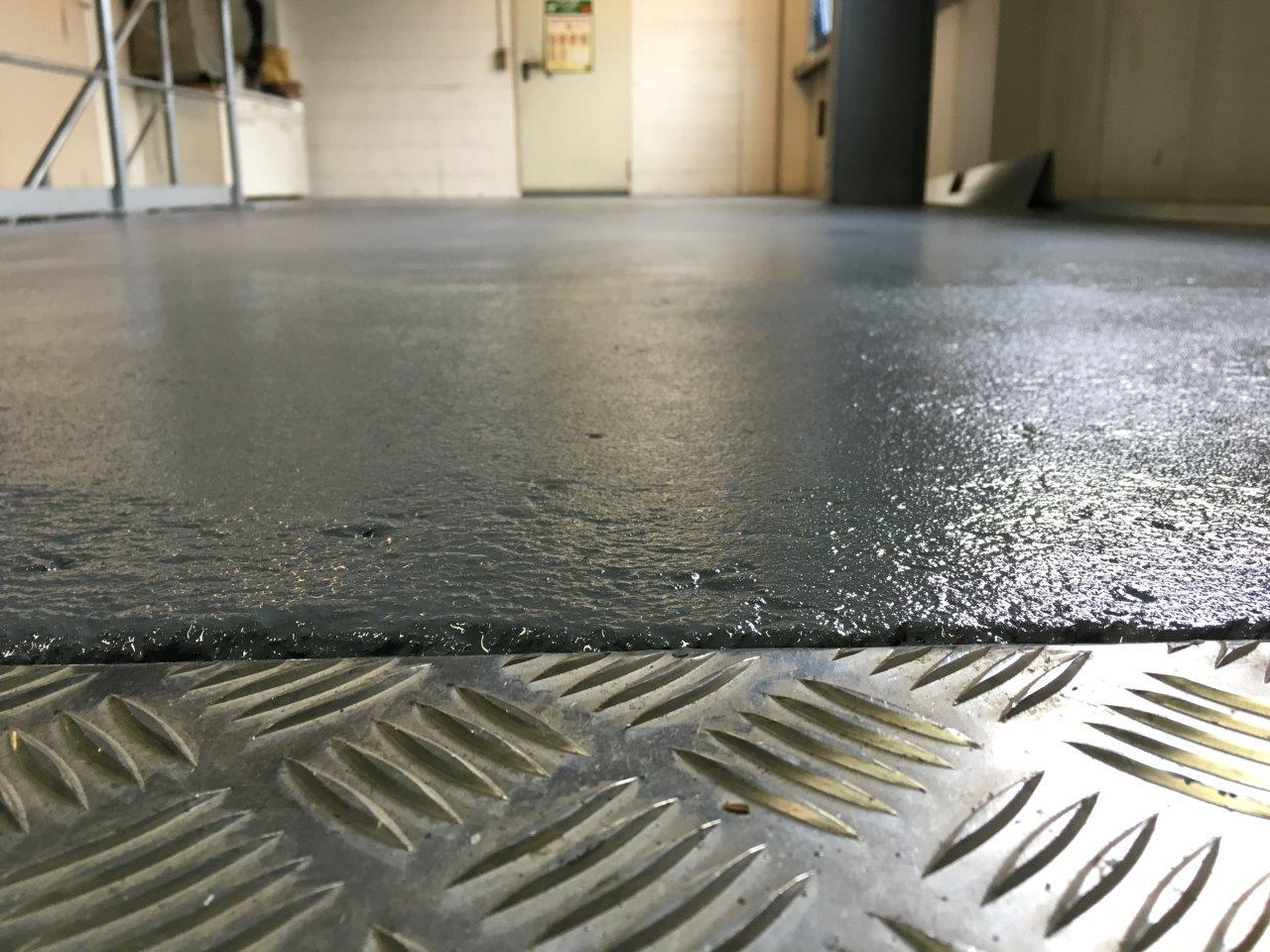 Safekote Antirutschfarbe Lagerboden