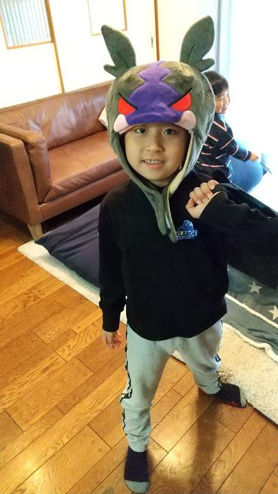 帽子をかぶった子供の写真