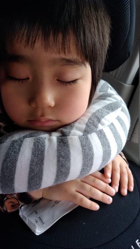 社長の子供が寝ている写真