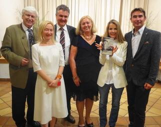 Die Rotarier Dr. Winfried Leisser, Mag. Harald Oppeck, Mag.a Gerlinde Hofbauer, Ing. Christian Melber und Barbara Neuwirth