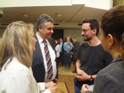 David Fuchs im Gespräch mit Mag. Harald Oppeck (Rotarier)