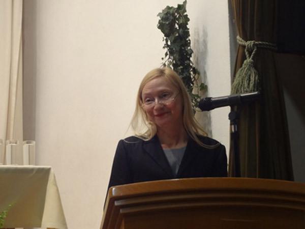 Barbara Neuwirth (Vize-Vorsitzende des Podium, Moderation)