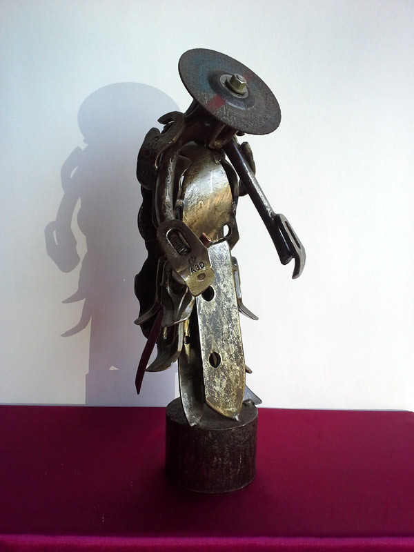 Moine Guerrier 55 cm - 16 kg