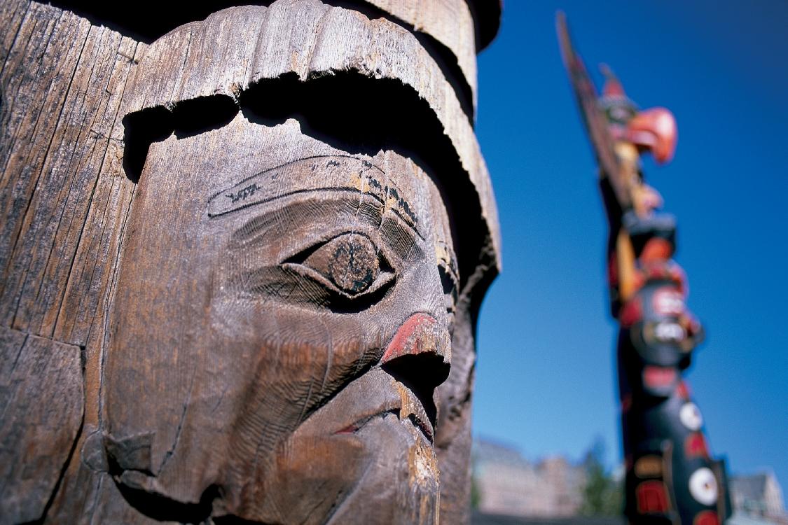Totempfahl im Thunderbird Park, Victoria, BC