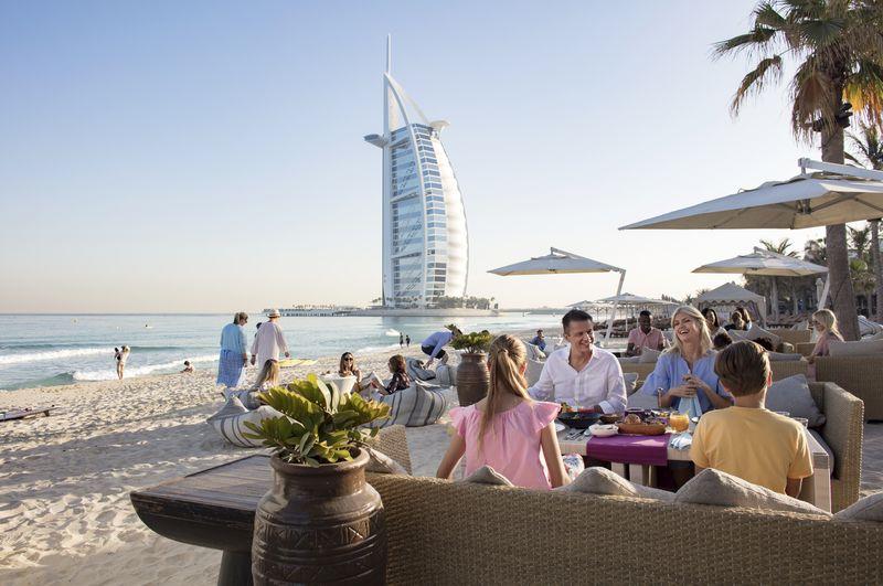 Jumeirah Beach mit dem Burj al Arab