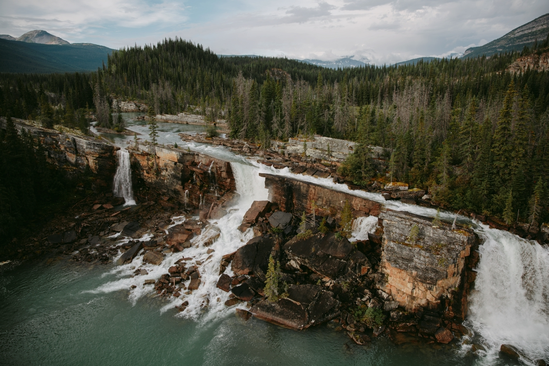 Monkman Wasserfall im Monkman Provincial Park, BC