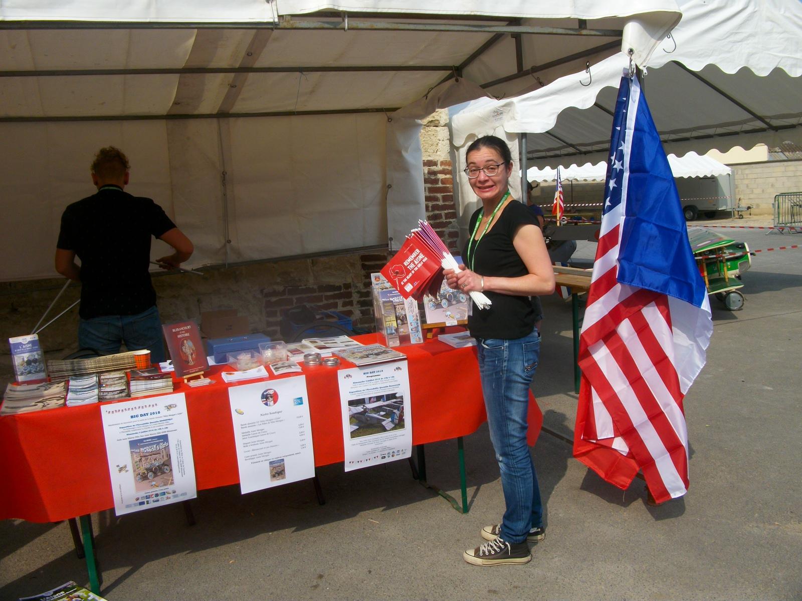 "Installation du stand ""Blérancourt Tourisme"""