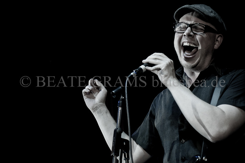 #214 Hello Beate. So nice to check your photos. You are a true music photografer!All the best, Mojo Makers - Kasper