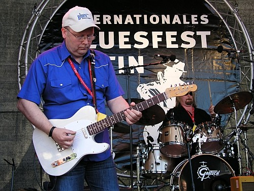 Foto:G.Harder - JT Lauritsen & The Buckshot Hunters - Bluesfestival Eutin 23.05.2009