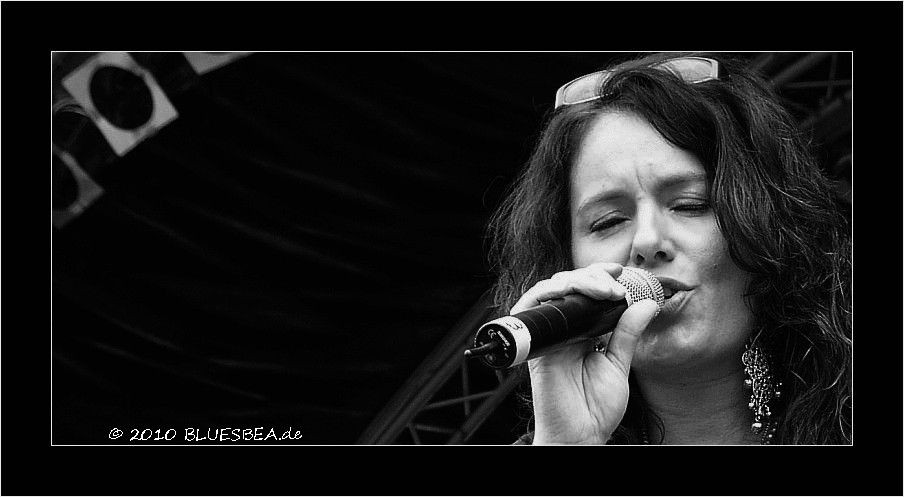 07-2011 Hi Beate :) Nice to hear from you !! I'll visit your homepage, always nice to see pictures from festivals :) Have a wonderful summer and enjoy a lot of music ! Good to hear that you're listen to my songs...:) Margit Bakken
