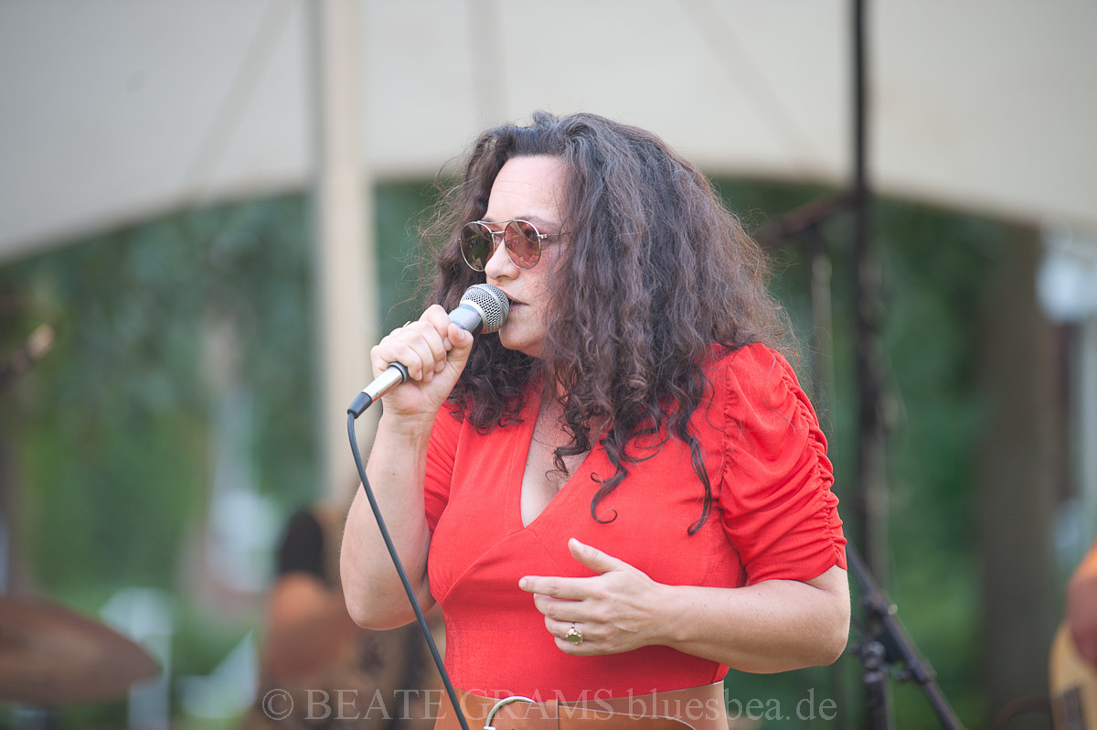MEENA CRYLE & The Chris Fillmore Band 2019