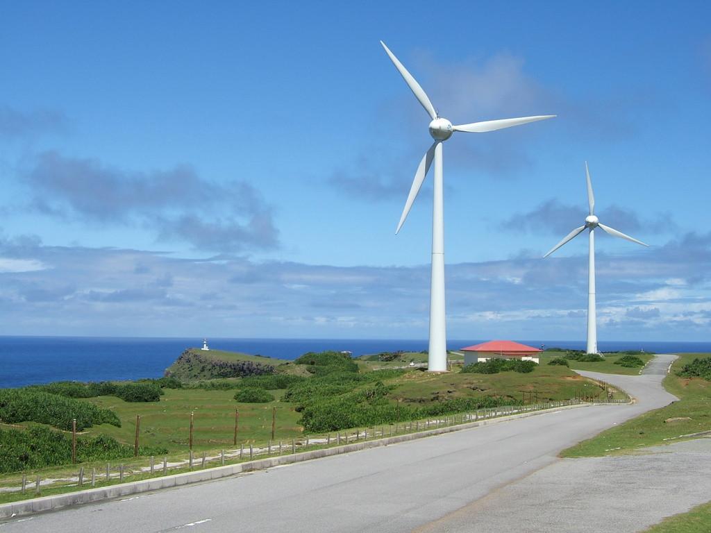 東崎の風力発電 与那国空港より25分