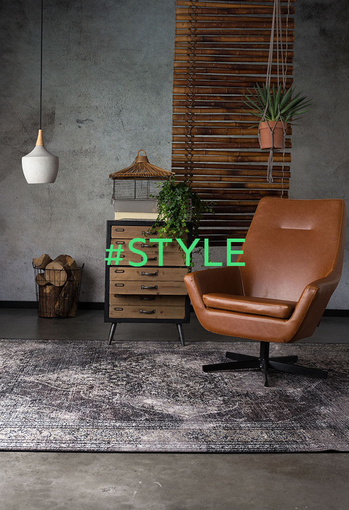 Vintage Designer Drehsessel und Kommode