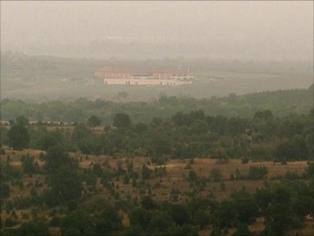 遠くにカタルジーナの建屋が見えてくる