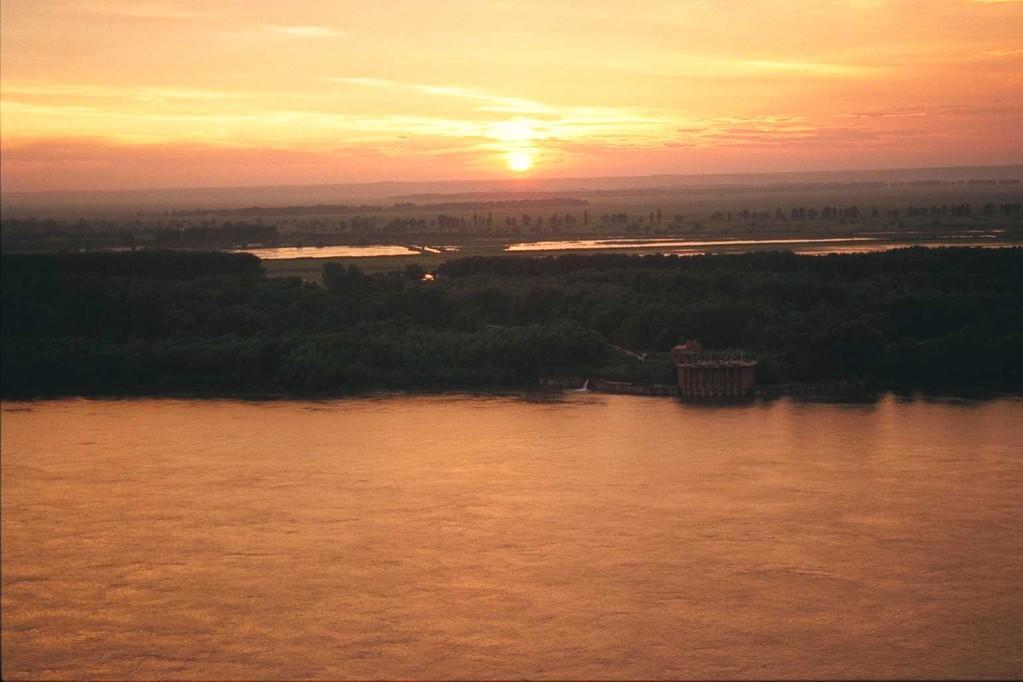 ドナウ平原の夕陽
