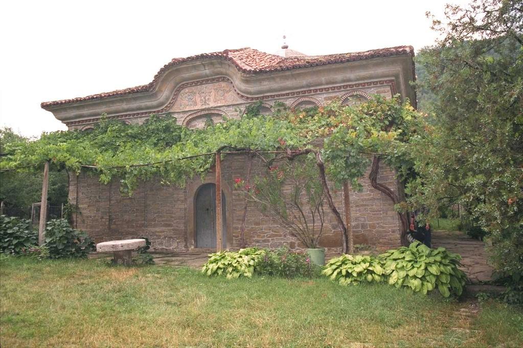 アルバナシの生誕教会