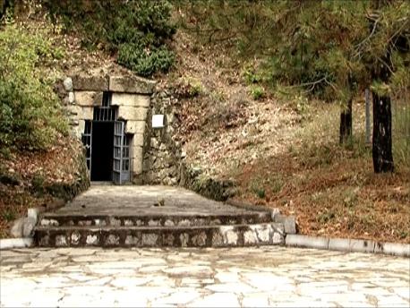 王の墳墓入口