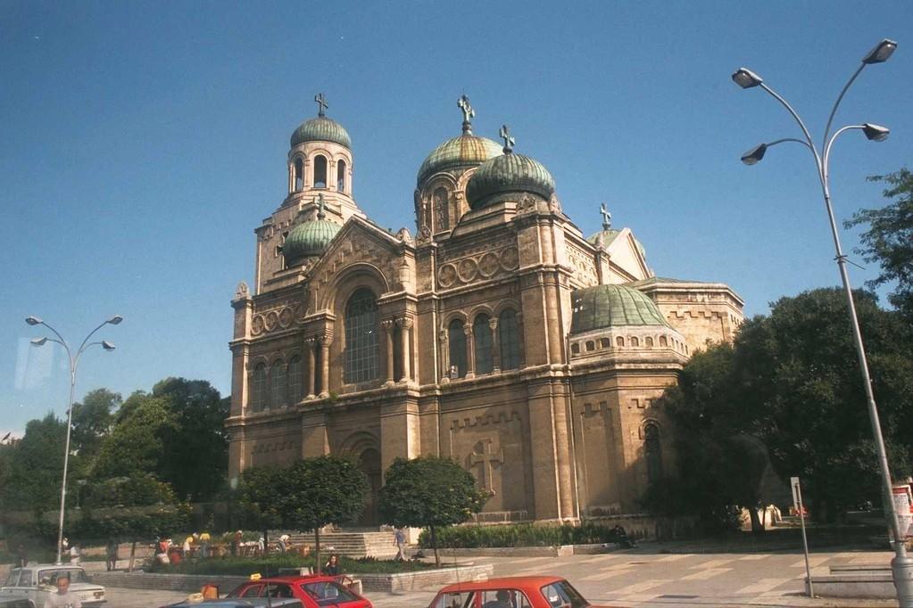 黒海の街バルナの大聖堂