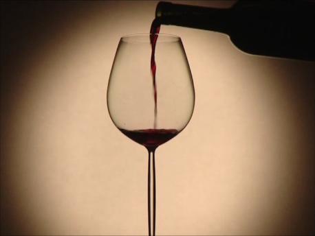 一杯のグラスの中に全宇宙を凝縮する