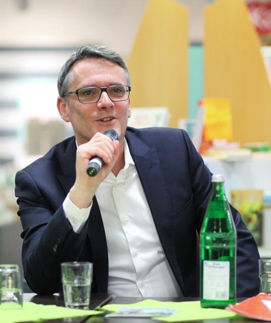Ralf Kabelka - der gebürtige Paderborner ist aktuell als Reporter in der ZDF heute-show aktiv, außerdem ist er Chefautor und Sidekick im Neo Magazin Royale