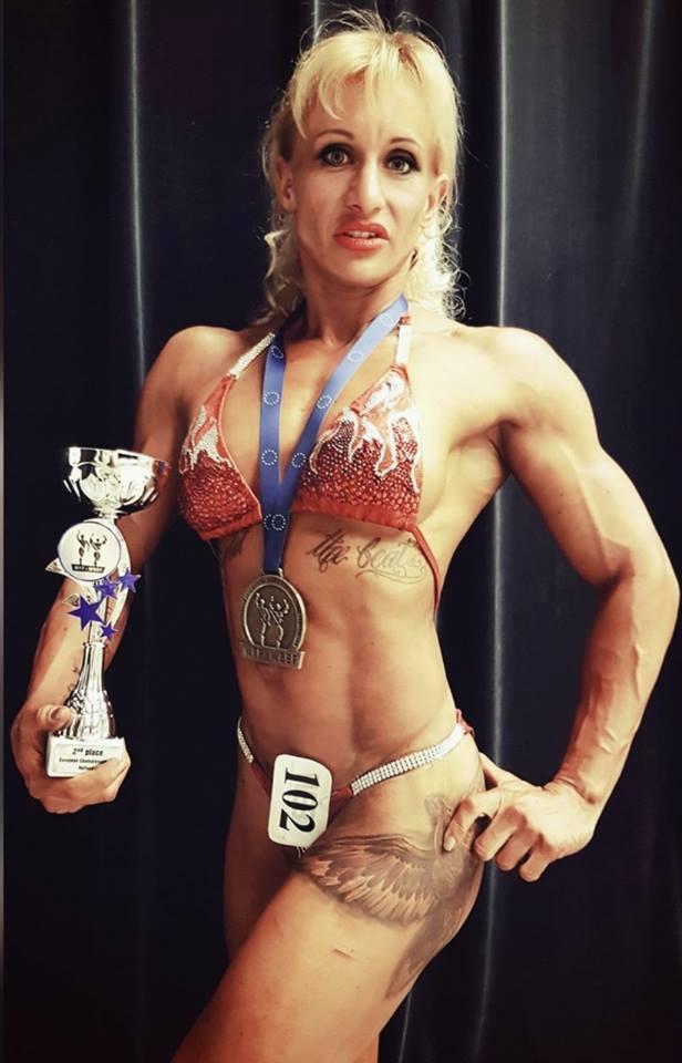 Marina Putziger aus Bad Wünnenberg-Fürstenberg - über eine Krankheit kam sie nach einer Schwangerschaft dazu, Bodybuilding zu betreiben. Das Hobby entwickelte sich zu einer echten Leidenschaft, einem neuen Leben.