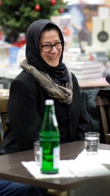 Hamideh Mohagheghi - die Mitarbeiterin der Uni Paderborn ist europaweit gefragte Expertin, zum Beispiel beim Thema Islamischer Staat
