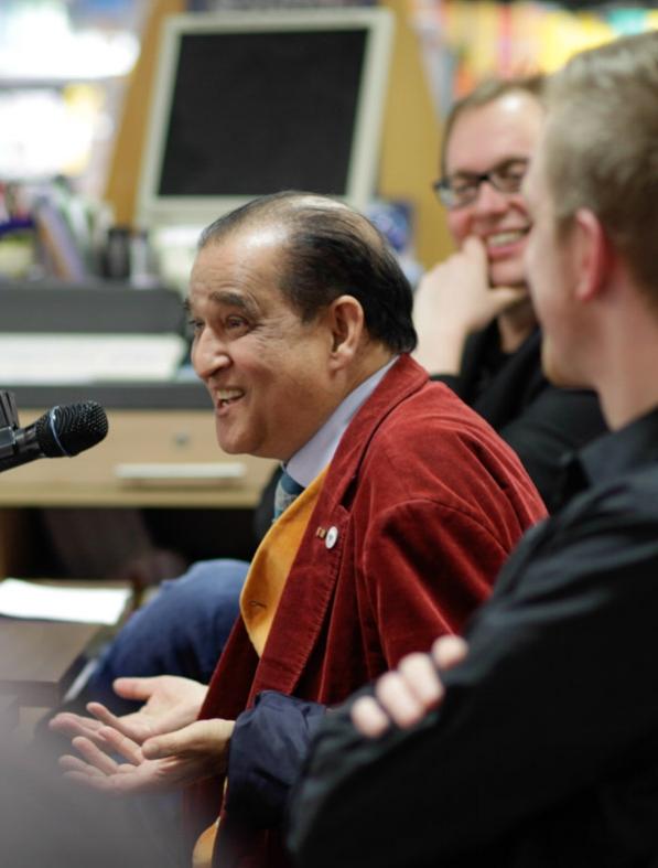 Dr. Anil Singhal - der damals 72-jährige Delbrücker war im Oktober 2015 für den Friedensnobelpreis nominiert (Er starb im Jahr 2017. Es war uns eine Ehre, ihn bei unsere Talkreihe dabei gehabt zu haben.)