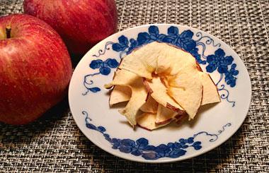 今年も、りんごチップの季節になりました。