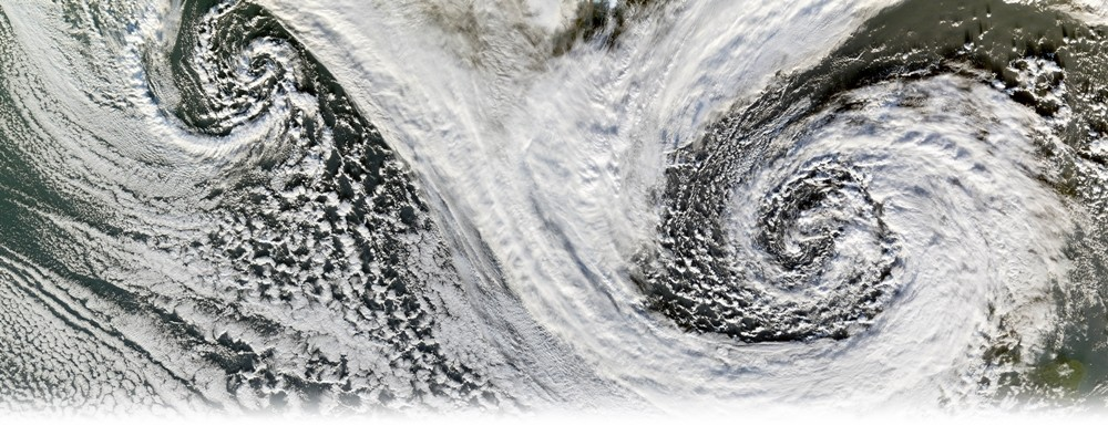 © NASA image by Jesse Allen, Earth Observatory | Außertropische Tiefdruckgebiete südlich von Island im Nov. 2006