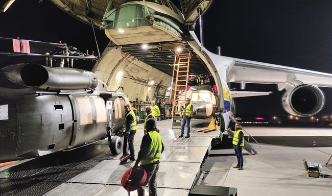 Five helicopters, five hours' loading time. Image: Antonov Airlines