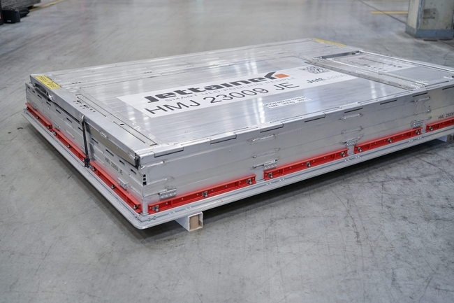 Folded flat for easy transport and storage. Image: Jettainer