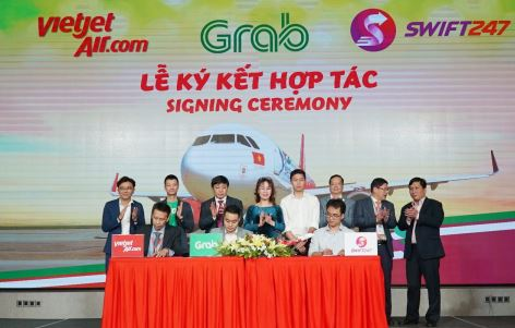 Signing ceremony of the Vietjet Air, Grab, and Swift 247 partnership in HCM City