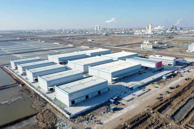 Blazing a Chem-trail in Cangzhou, China. Image: Kerry Logistics