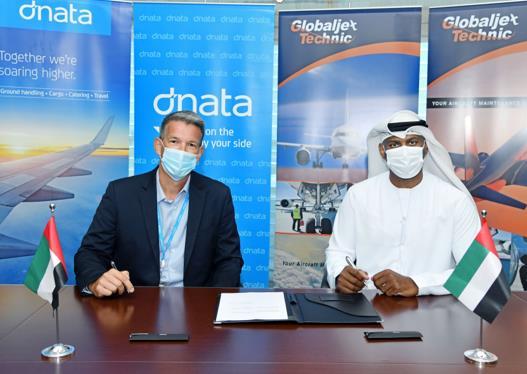 Steve Allen, Executive Vice President of dnata, and Capt. Khamis Al Kaabi, Chairman of GJT. Image: dnata