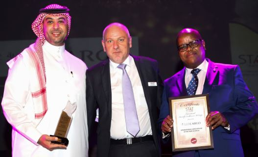 Saudia Cargo's CEO Omar Hariri (left) was handed over the award 'International Cargo Airline of the Year 2018 in Africa' at ACA in Johannesburg