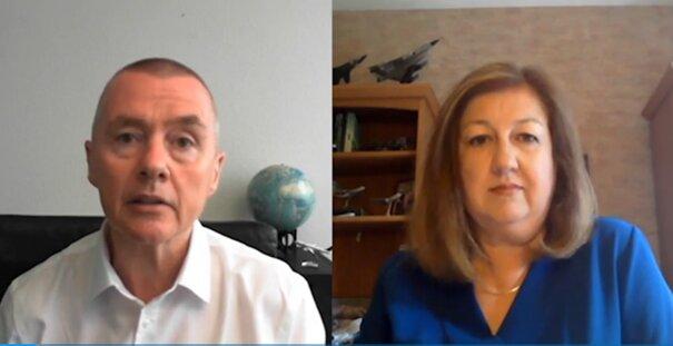 Willie Walsh in discussion with Karen Walker. Image: Screenshot Aviation Week Webinar 25MAY21