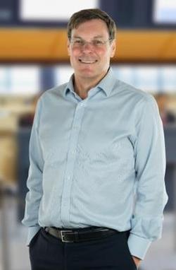 Warwick Brady celebrates 25 years of Swissport and a positive future. Image: Swissport