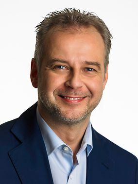 """Member of parliament Till Mansmann (Liberal Democrats) strongly supports Berlin Tempelhof to exhibit the """"Landshut"""" there  -  photo: FDP"""