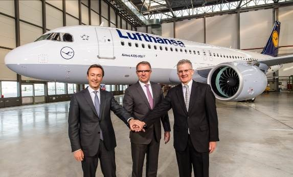 Photo from l > r: Airbus CEO Fabrice Brégier, Lufthansa's helmsman Carsten Spohr and President Robert Leduc of P&W welcome the first A320neo at Hamburg's Airbus plant  -  courtesy Airbus