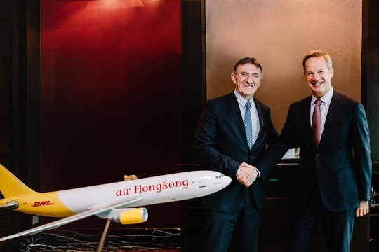Happy about their deal: Ken Allen, CEO, DHL Express (left) and Rupert Hogg, CEO, Cathay Pacific  -  courtesy DHL