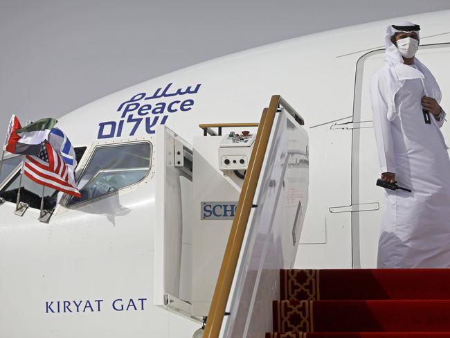 Salaam – Shalom. El Al arriving in Abu Dhabi, UAE, 31AUG20. Image: AP/NPR/Arab News