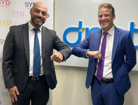 From left to right: Mark Zaouk, General Manager Commercial Leasing & Asset Management, Sydney Airport and Brett Fuller, Managing Director, dnata Australia
