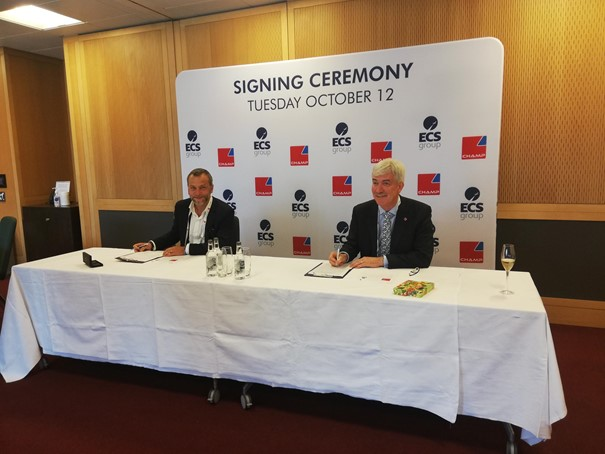 Adrien Thominet and Chris McDermott sign new Cargospot contract. Image: CFG